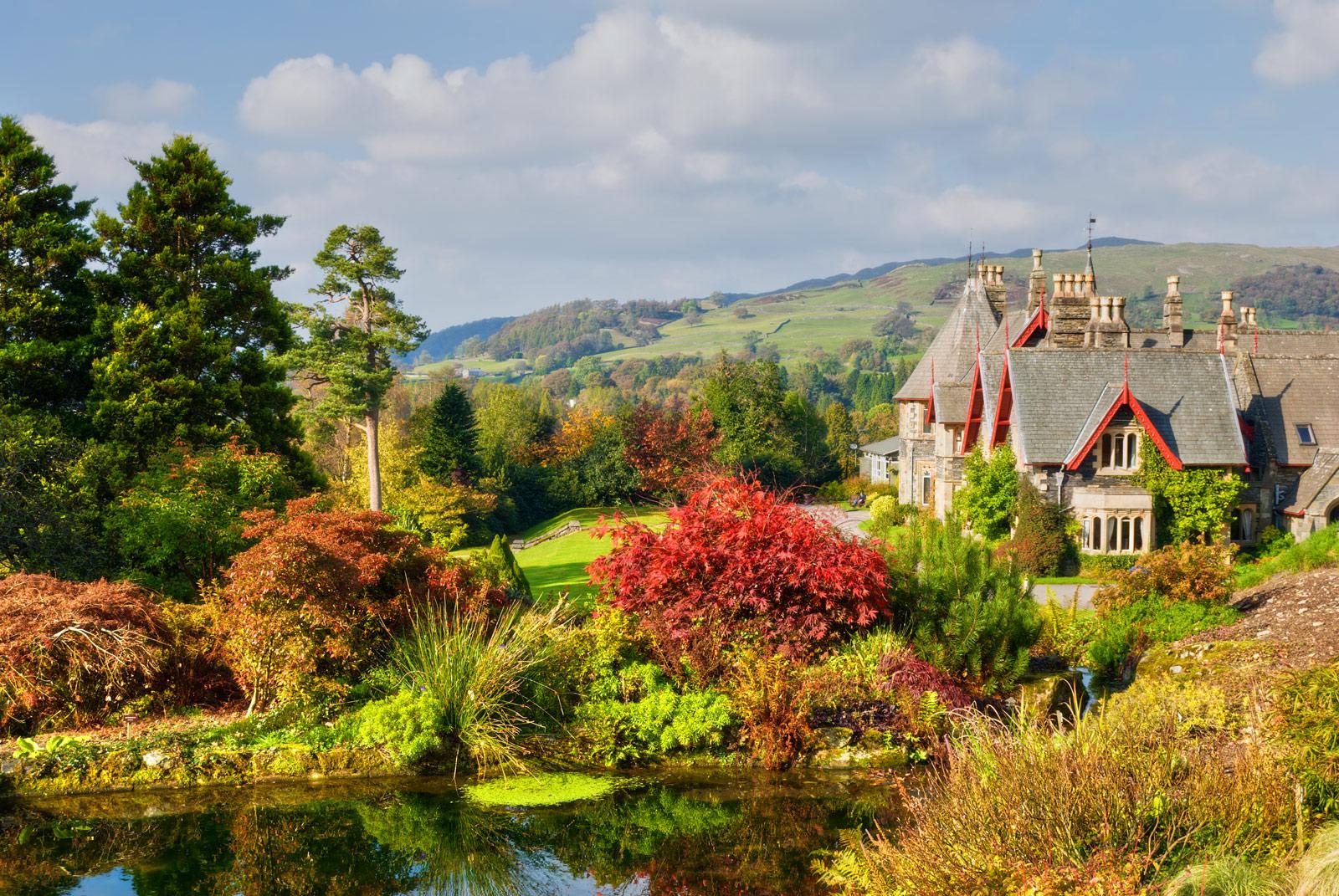 Holehird Gardens beautiful walk in Lake District